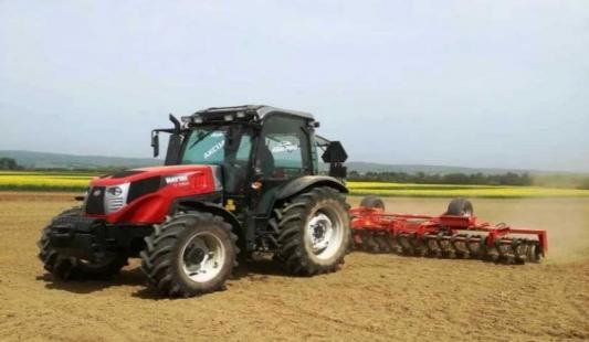 Agro PMD u Požeštini prezentirao Hattat traktore i strojeve iz svoje ponude